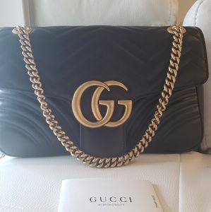 Black Gucci gg Marmont medium